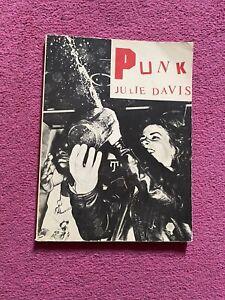 Paperback Punk Magazine Book a Julie Davis - Millington Davison Publishing 1977