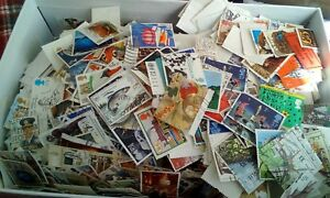 100 GB Used Stamps - A Selection of Stamps,  of paper all different