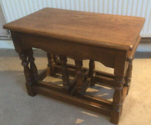 Lovely Titchmarsh And Goodwin Style Solid Oak Nest Of Coffee Side Tables