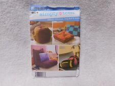 Simplicity 4524 Pillows Ottaman Dog Bed Lounger Sewing Pattern