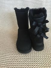 UGG SHORT BAILEY BOW II BLACK WATER-RESISTANT SUEDE BOOTS SIZE US 8 WOMENS