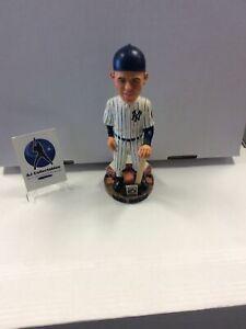 Nib Yogi Berra Cooperstown Collection Bobblehead New York Yankees Hof