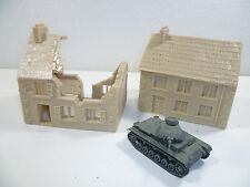 2 x Unpainted resin buildings for 15mm wargames, 1/100th scale RB151 & RB 152a