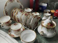 """More details for royal albert """"old country roses"""" china teaset"""