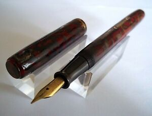 Pen Waterman 92 Celluloid Red and Gold Sold For Pieces K146B