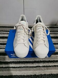 Adidas Superstar Trainers Size 9 Mens Brand New 100 % Authentic ®️