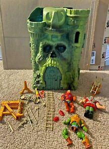 Vintage He-man MOTU Castle Grayskull Playset with 3 figures 1981
