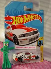 '07 FORD MUSTANG #289 ✰white/red; Knight♛CHECKMATE♛2018 Hot i Wheels WW case N