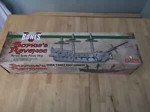 Reaper Bones V Sophie's Revenge Pirate Ship In Box