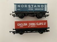 Hornby Triang Wagons x 2 Norstand English China Clays OO Gauge Sets Red & Green