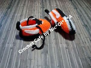 HANDMADE CROCHET BABY UNISEX  BOOTIES ATHLETIC SHOES SNEAKERS  BABY SLIPPERS