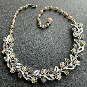 Signed LISNER Vintage Silver Tone Leaf Pearl Gray Rhinestone Flower Necklace 698