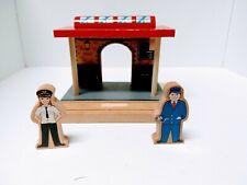 Imaginarium Thomas Brio  Wooden Railway Train Station with 2 figures