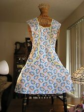 Vintage  Full Apron H Back Pretty Blue Feed Sack Type  Print, Home Sewn Nice