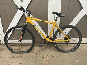 "2001 Schwinn Moab 3 Aluminum Frame 19"" Bicycle Yellow"