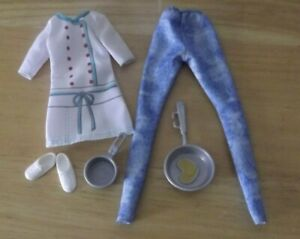 BARBIE CAREER CHEF / BAKER COAT OUTFIT WHITE SHOES & POTS