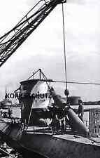 U-BOOT-KRIEG FOTO U 25 KOMMANDANT EBERHARD GODT MALING AUF DEN TURM TORPEDOUMLAD