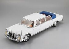 Sun Star 1/18. Mercedes-Benz 600 Landaulet.