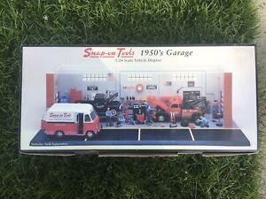 SNAP ON FABULOUS 50's GARAGE DIORAMA 1:24 RARE! NEW IN BOX (CARS NOT INCLUDED)