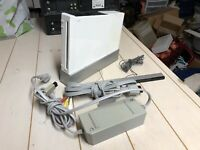 Nintendo Wii Console RVL-101 White For Parts or Repair (Won't Read Discs) Broken