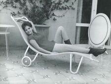 CLAUDIA CARDINALE 1960s VINTAGE PHOTO ORIGINAL #3 CANDID