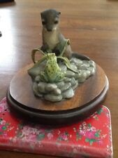 Border Fine Arts F3 Otter Kit & Frog on wooden plinth - Ray Ayres 1983