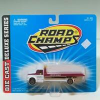 Road Champs 1:64 Die-cast Deluxe Series JERR-DAN Flatbed Tow Truck