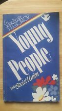 """Vladimir Yegorov """"Young People in the Soviet Union"""" paperback 1985"""