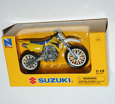 Newray-Suzuki RM-Z450 - moto escala modelo 1:18