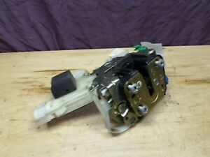 00-04 Nissan XTERRA PASSENGER SIDE FRONT DOOR LATCH & POWER LOCK ACTUATOR OEM