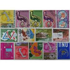 100 Maps stamps in packet  (156)