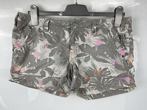 New Look 12 40 Grey Pink White Casual Camo Style Shorts Hawaiian Palm Tree