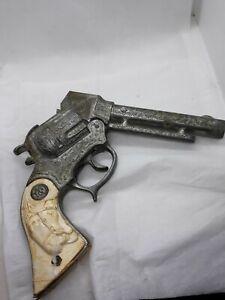 Vintage Wyandotte Cap Gun horsehead-horseshoe grips Wyandotte toys USA cap gun