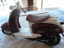 Scooter  Marque : YAMAHA VINO YJ50R LONGUEUR 26 CM