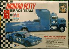 # 43 Richard Petty Race Team Dodge Dart & ford renntransporter 1:25 oficina 1072