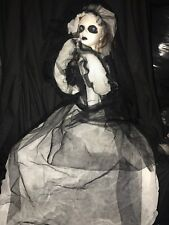Halloween Hanging/sitting Scary Zombie Bride With Flashing Eyes - New