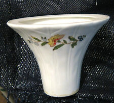 Nice unmarked porcelain item, not sure what this is but lovely style