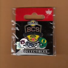 OFFICIAL 2011 BCS CHAMPIONSHIP GAME SITE PIN AUBURN TIGERS OREGON DUCKS pkgd