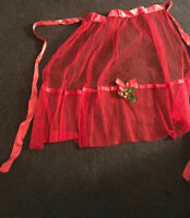 VINTAGE  HANDMADE CHRISTMAS HOSTESS APRON RED  HOLLY BERRIES