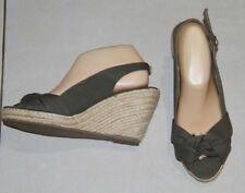 Womens size 9 green canvas wedges made by CAPTURE