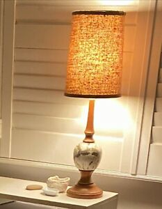 Lovely 1970s Original VINTAGE Lamp Table Lamp Beautiful Glow in VGC Works well