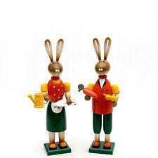 Conejo de Pascua Par JARDINERO 38cm decoración madera COLORES 25141