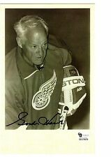 Gordie Howe photo taken during introductions at a benefit game in 2009
