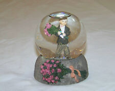 Enesco: Kim Anderson Pretty As A Picture - SnowGlobe  FOREVER YOUNG