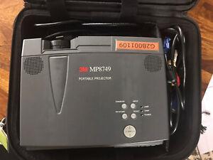 3M Mp 8749 Projector