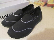 Flat (less than 0.5') Wide (E) Unbranded Shoes for Women
