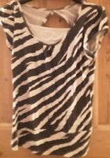 Girls black and white stripped  top size 152-158