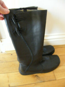 CLARKS LEATHER COMFORT BOOTS SIZE 7 TOGGLE BUTTONS SOFT LEATHER VGC