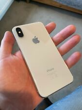 iPhone XS 256GB, silver (unlocked) – small corner crack but fully functional