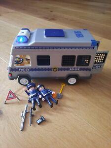 PLAYMOBIL Polizei Mannschaftswagen mit Figuren